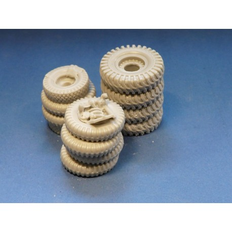 352402 Stowed tyres