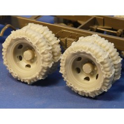 352423 Wheels with chains for Tamiya GMC