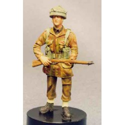 Airborne figure standing, full equipment